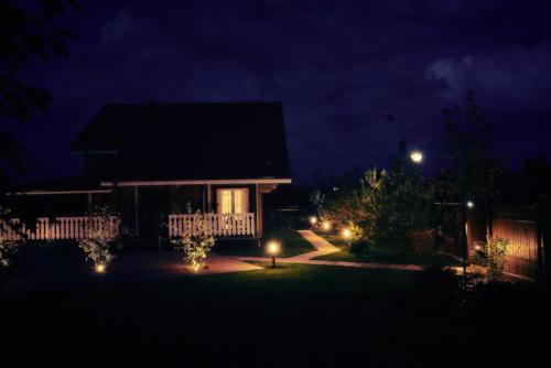 Заказать устройство садового освещения